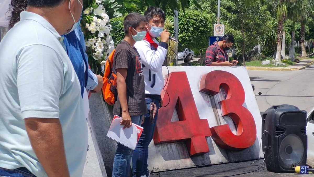 Revelan documentos ligados a caso Iguala; 'El Gil' ordenó a policías que le entregaran a los 43