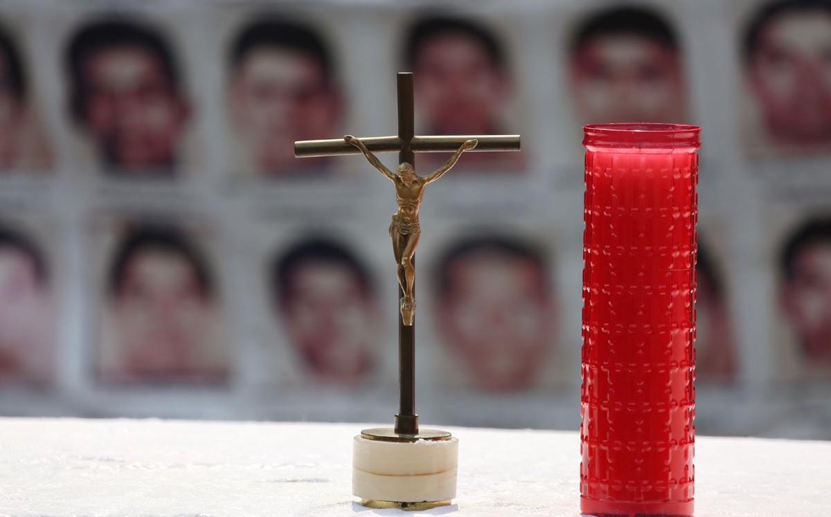 En Pueblo Viejo podrían estar los restos de los normalistas: ex fiscal de Guerrero