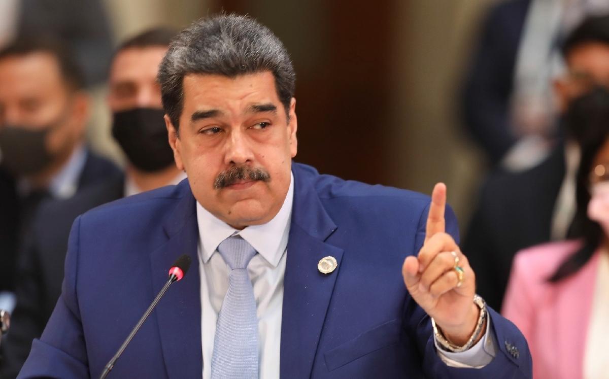 Senadores de EU reclaman a AMLO por no haber extraditado a Nicolás Maduro